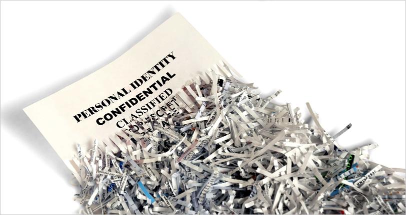 image d'une feuille de papier déchiqueté par un destructeur